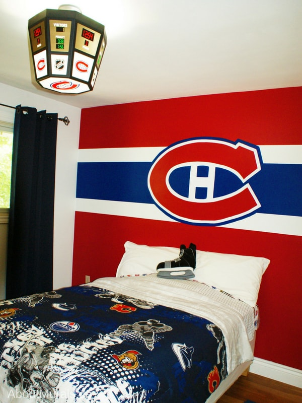 A Montreal Canadiens mural painted by Adrienne of AboutMurals.ca